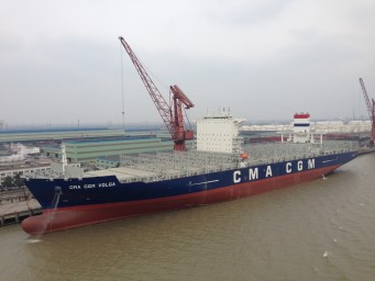 Van der Velden bouwt momenteel ESPAC's voor drie 18.000 TEU-schepen die in China voor CMA CGM worden gebouwd.