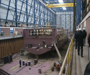 De delegatie bezocht onder andere scheepswerf VEKA Bijlsma.