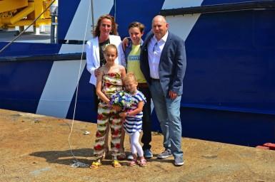 """""""Doopvrouw"""" Merel Groen met haar ouders (vader Erik is mede-directeur van de rederij) en haar broer en  zusje."""