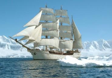 De Europa was al eerder in Antarctica. (foto Hajo Olij)