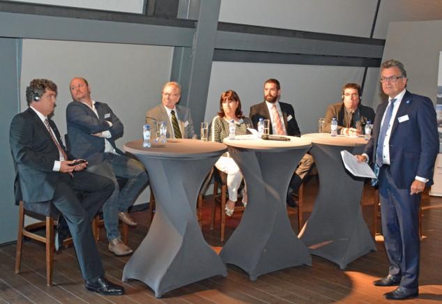Na de presentaties was er een forum onder leiding van dagvoorzitter Roland Kortenhorst. Daarin gingen de sprekers in op de vraag of de particuliere ondernemers toekomst hebben in de binnenvaart en hoe ze het lot in eigen hand kunnen nemen of houden.