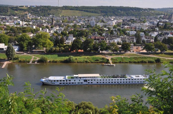 cruiseschip op de Moezel