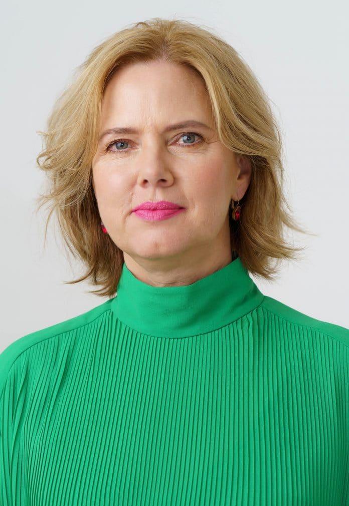 minister Cora van Nieuwenhuizen