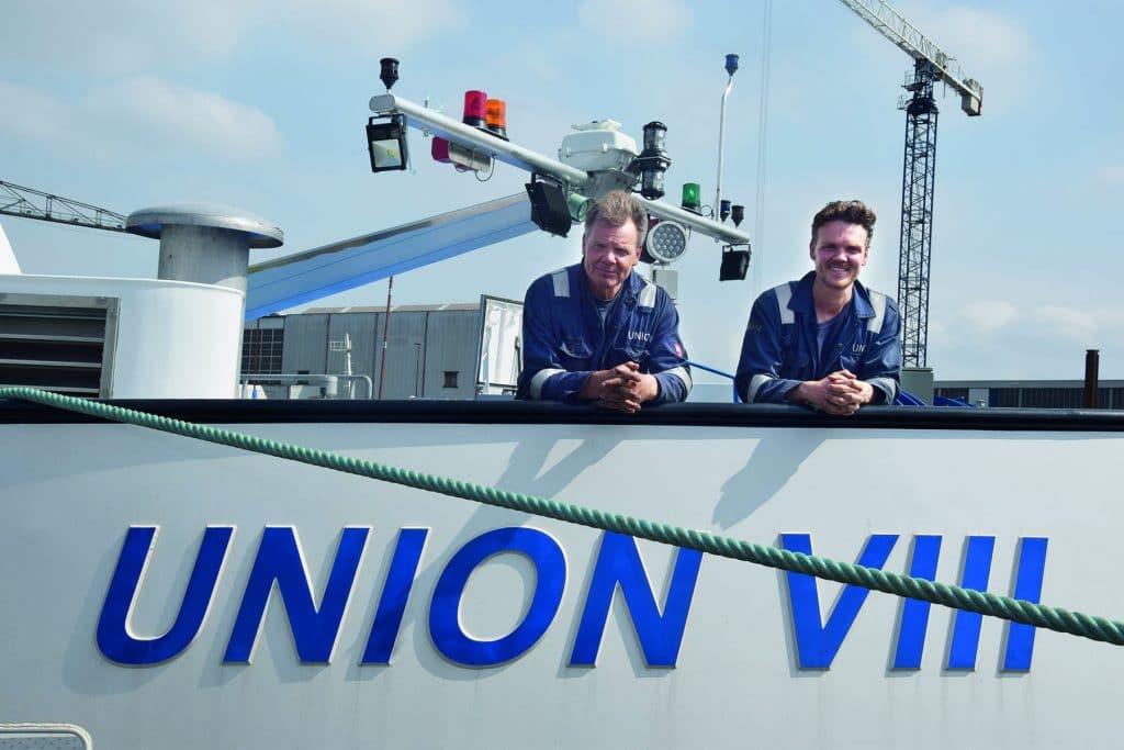 Arie en Stephan Uittenbogaard aan boord van de Union VIII