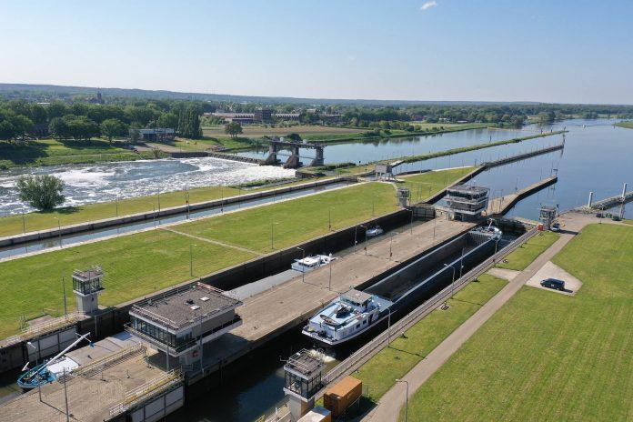 Sluis- en stuwcomplex Belfeld